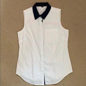 Ann Taylor sleeveless button up